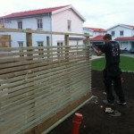 Kim bygger altanräcke